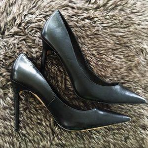 Express black point toe heels